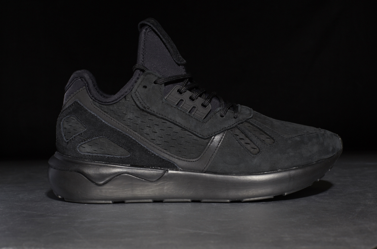 adidas original tubular runner core black
