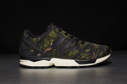 adidas Originals ZX Flux – Core Black / Core Black / Carbon