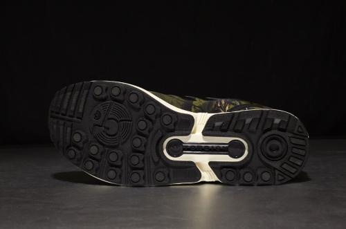 adidas Originals ZX Flux – Core Black / Core Black / Carbon