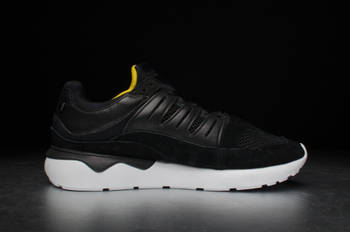 adidas Tubular 93 – Core Black / Footwear White / Off white