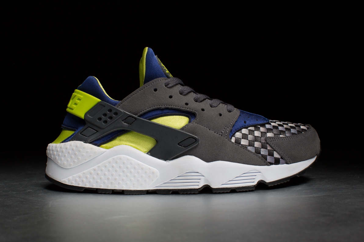 Nike Air Huarache – Dark Grey Venom Green