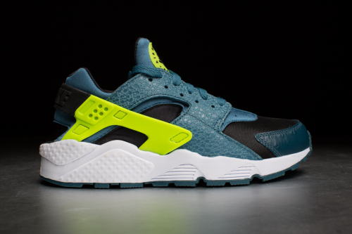 Nike Air Huarache – Black / Space Blue / Volt