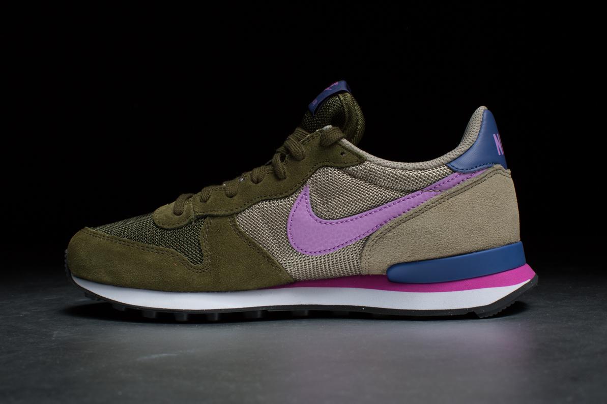 buy online 3941d a062b Wmns Nike Internationalist – Faded Olive / Fuchsia Glow / Bmb / Blue Legend  ...