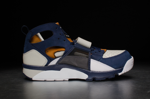 Nike Air Trainer Huarache PRW – Light Bone / Mid Navy