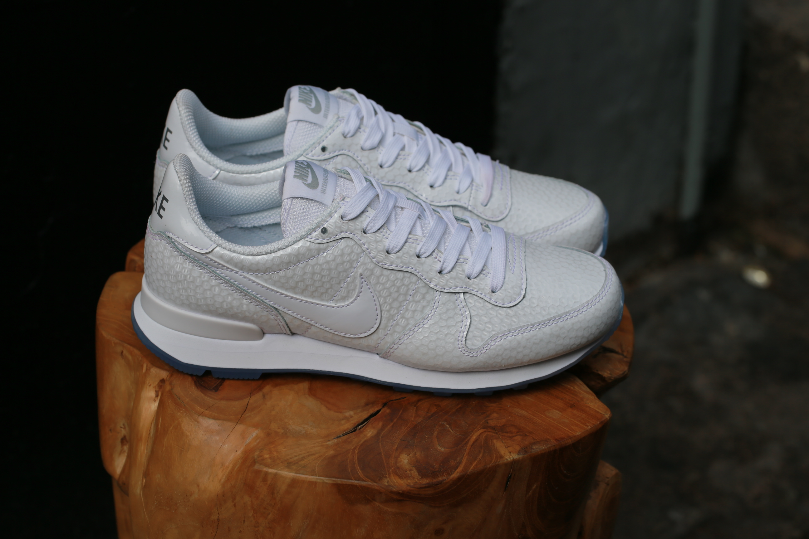 new arrival 70d73 2e5d0 ... Free Shipping starts at 75€ - thegoodwillout ... nike internationalist  premium sneaker white metallic silver .