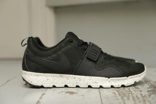 Nike SB Trainerendor – Black / Black / Black