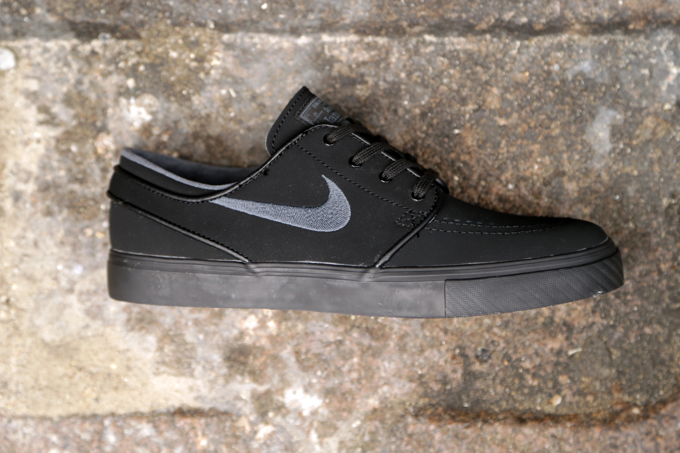 nike sb zoom stefan janoski black anthracite stasp. Black Bedroom Furniture Sets. Home Design Ideas