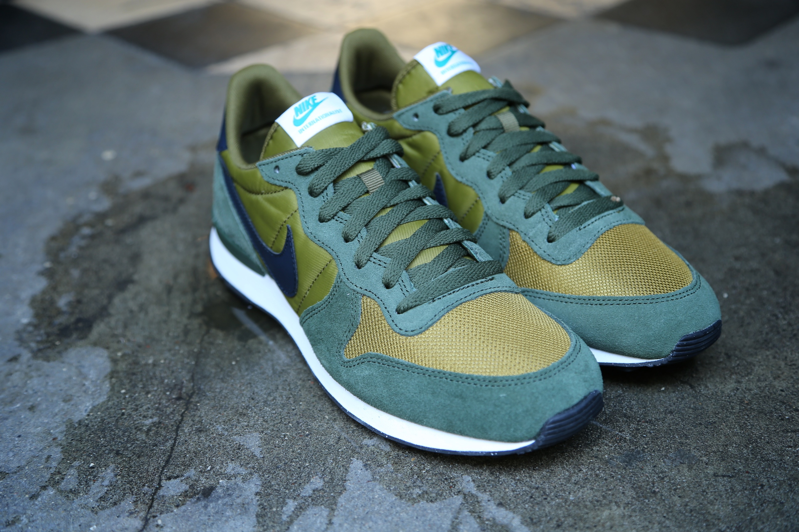 nike internationalist army green