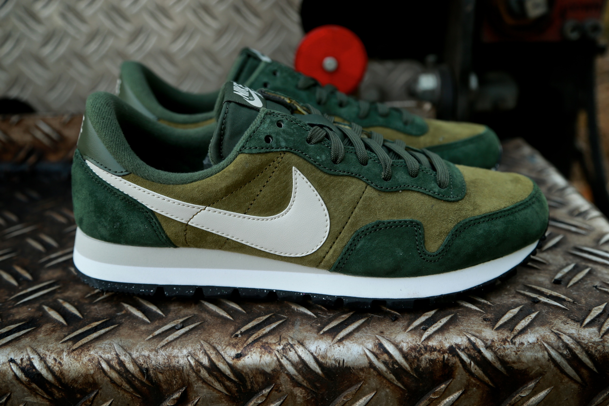 fe25a7a0bf72 Nike Air Pegasus  83 LTR – Militia Green   Light Bone   Carbon Green ...