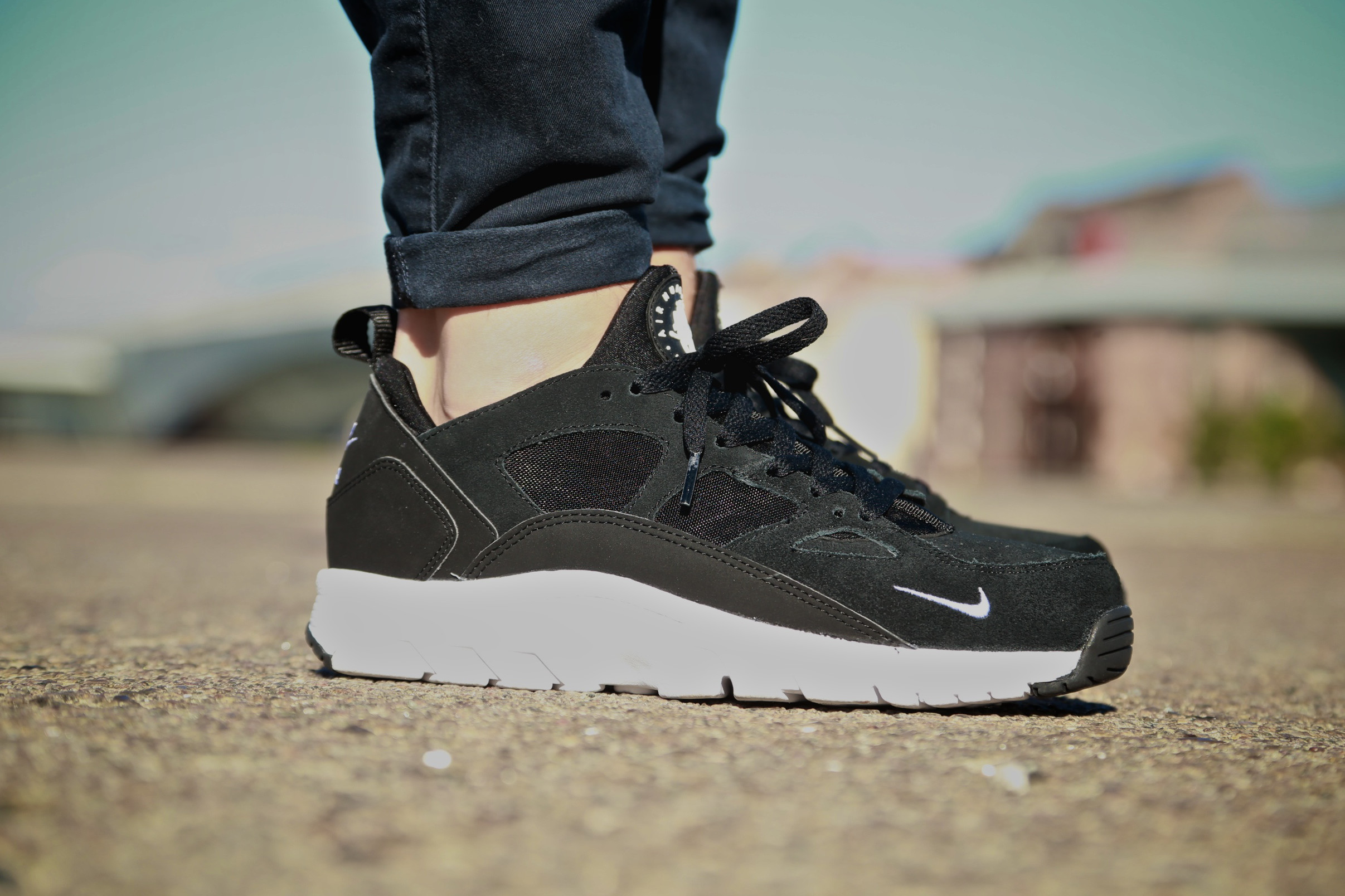 597b6c5d76590 Nike Air Trainer Huarache Low – Black   White – STASP