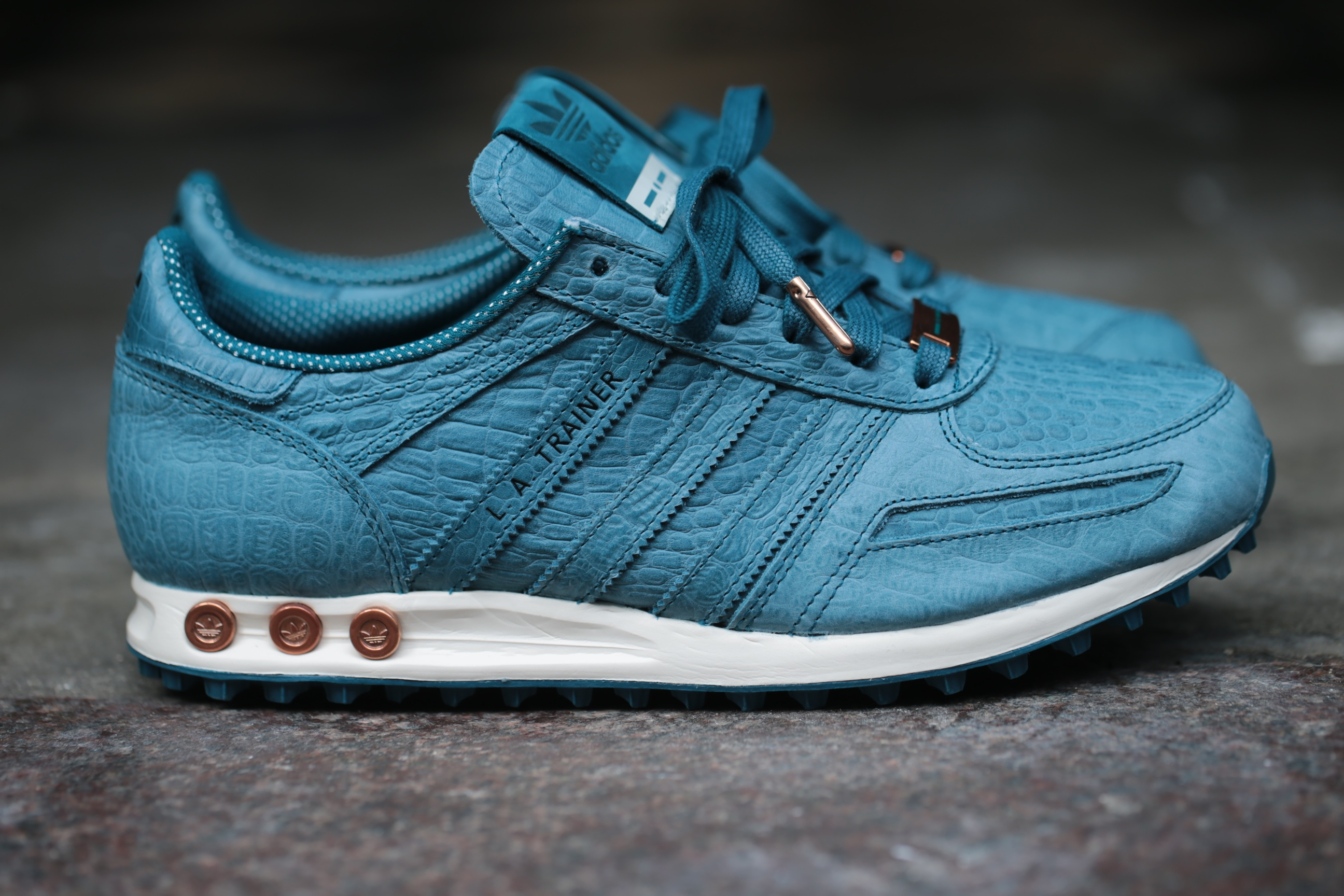adidas originals italia trainers