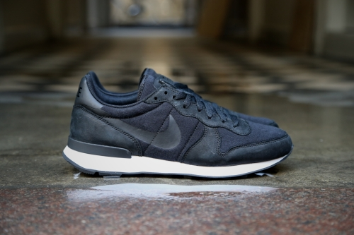 Nike Internationalist TP – Black / Black / Black