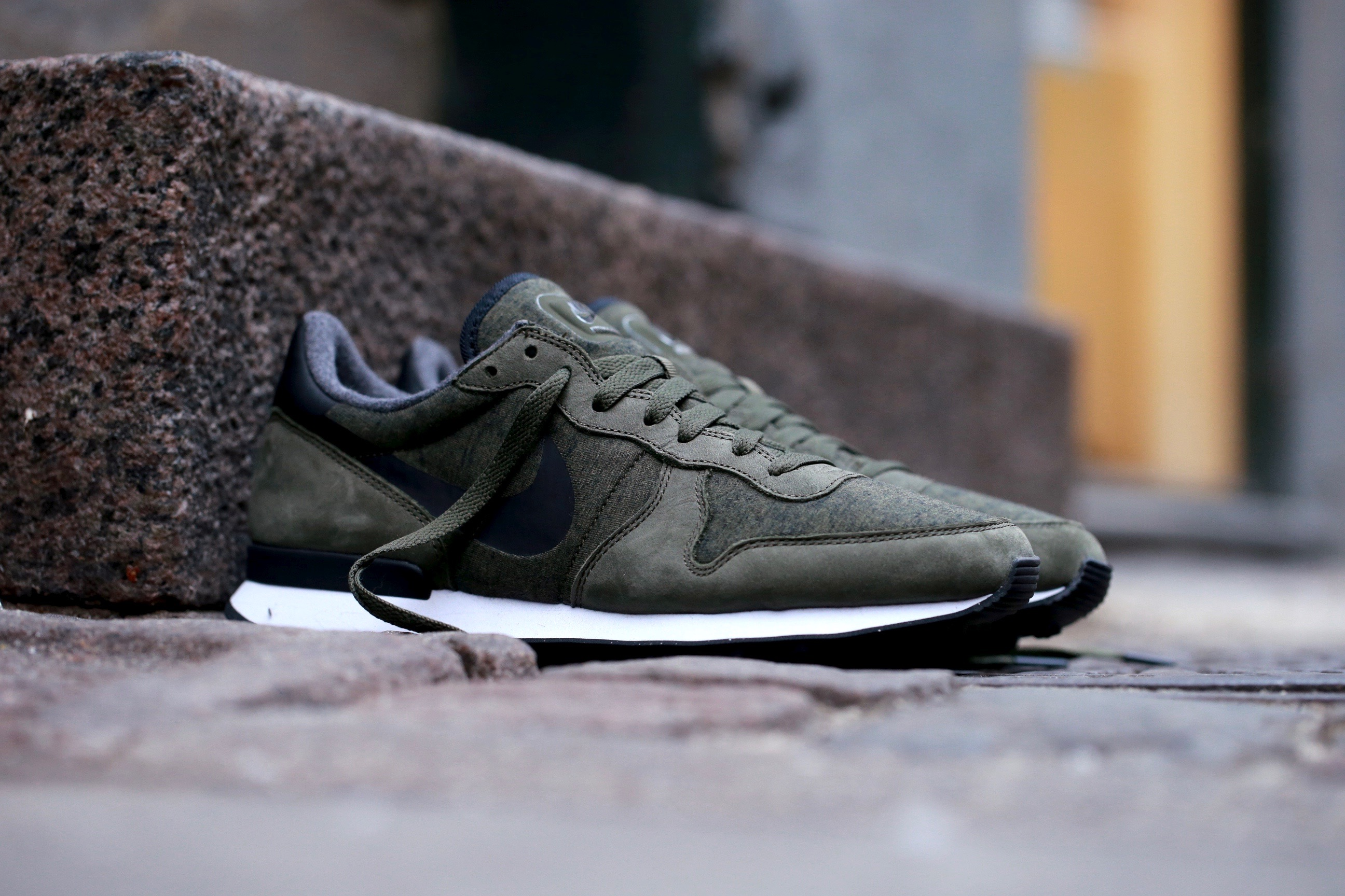 cargo khaki nike internationalist