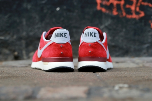 Nike Archive 83.M - Game Red / Wolf Grey / Cinnabar / Team Red