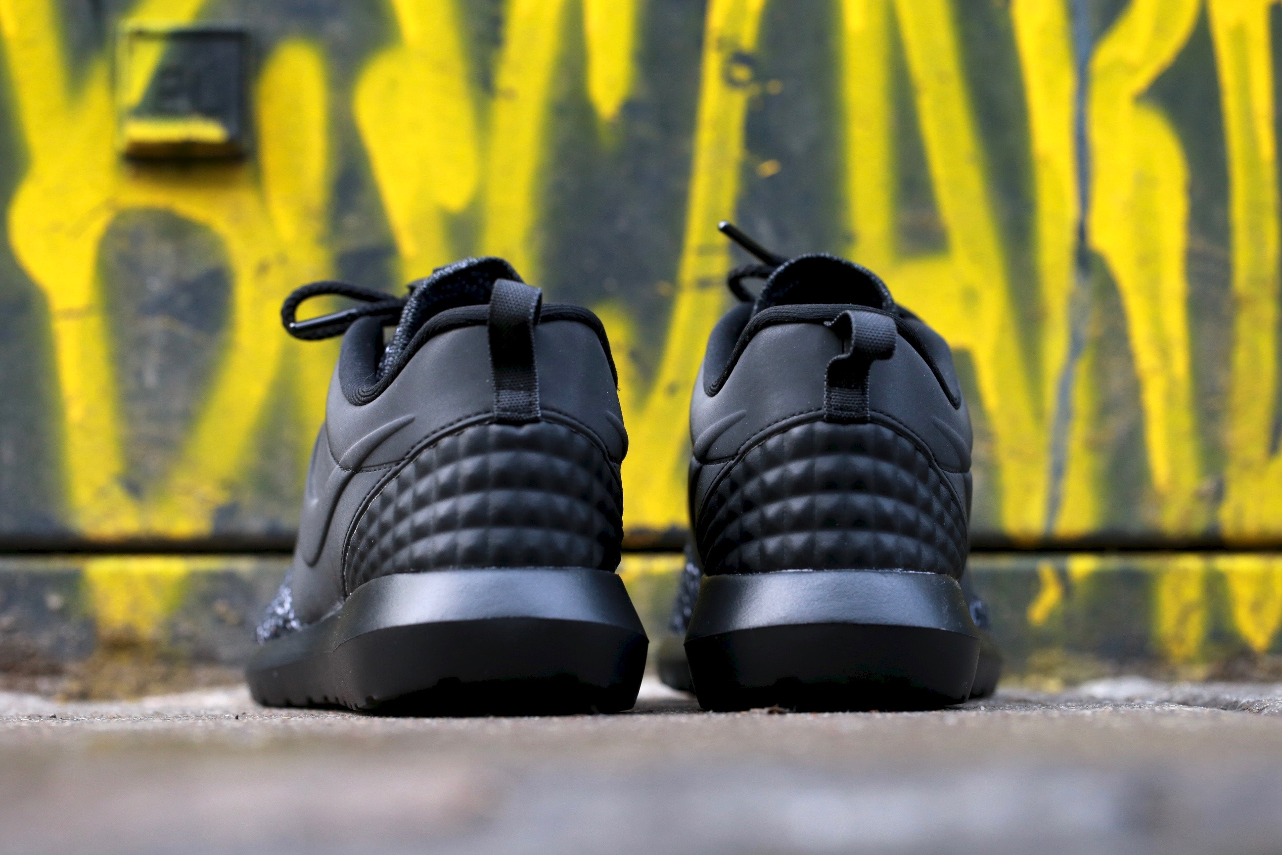 Nike Roshe One NM Flyknit Premium – Black Dark Grey