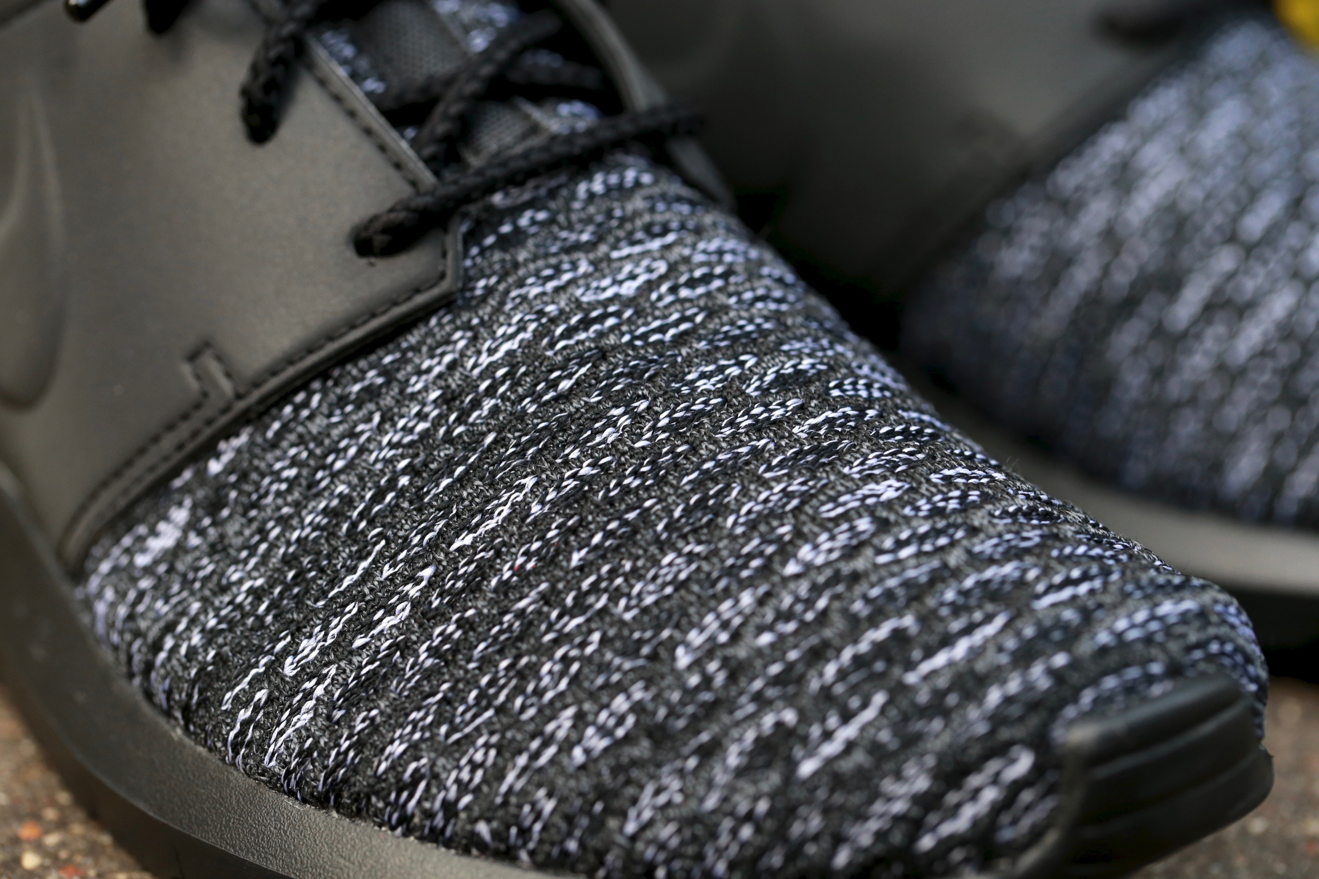 Nike Roshe One NM Flyknit Premium – Black Dark Grey
