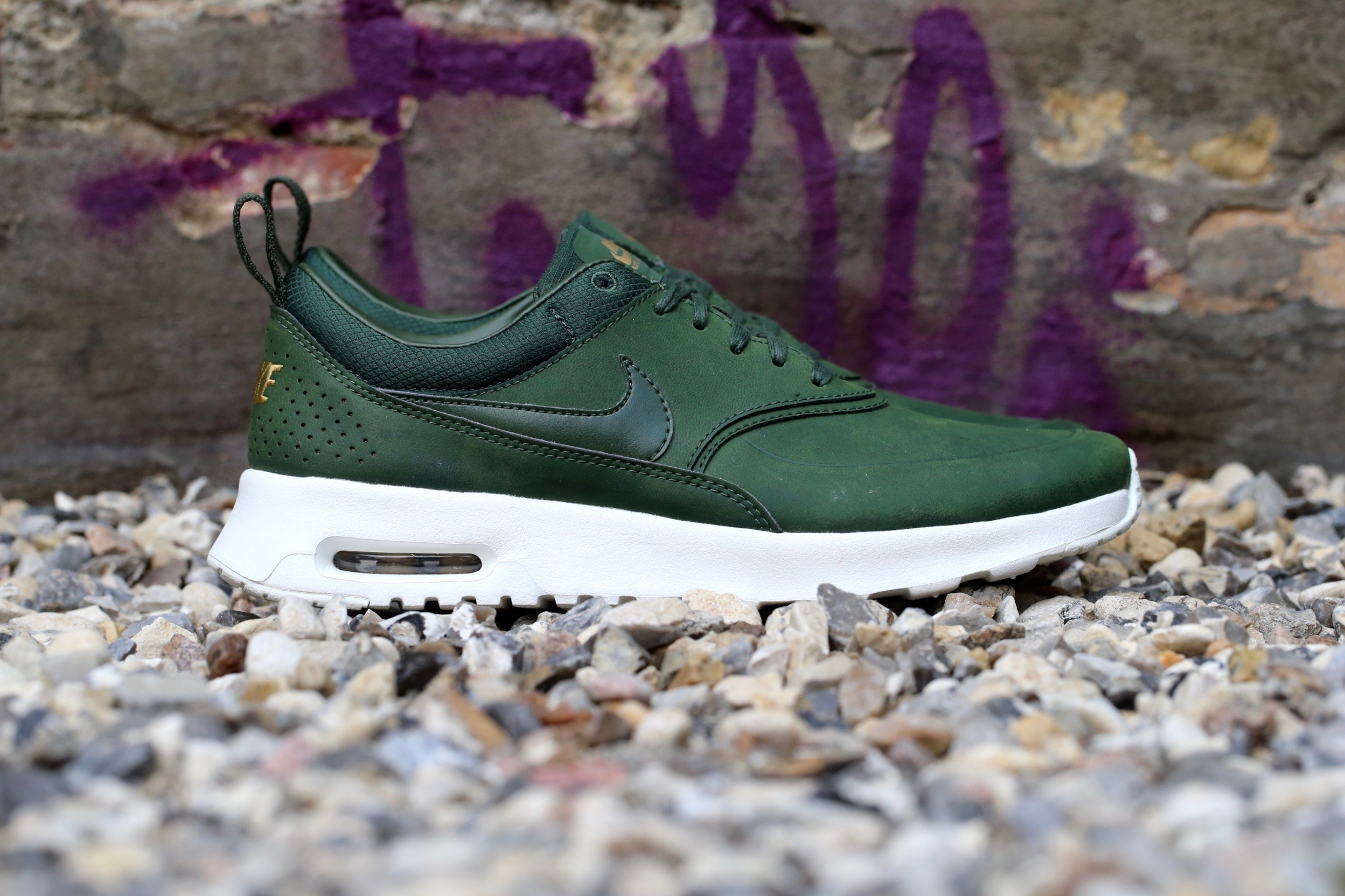 nike air max thea premium carbon green stasp. Black Bedroom Furniture Sets. Home Design Ideas