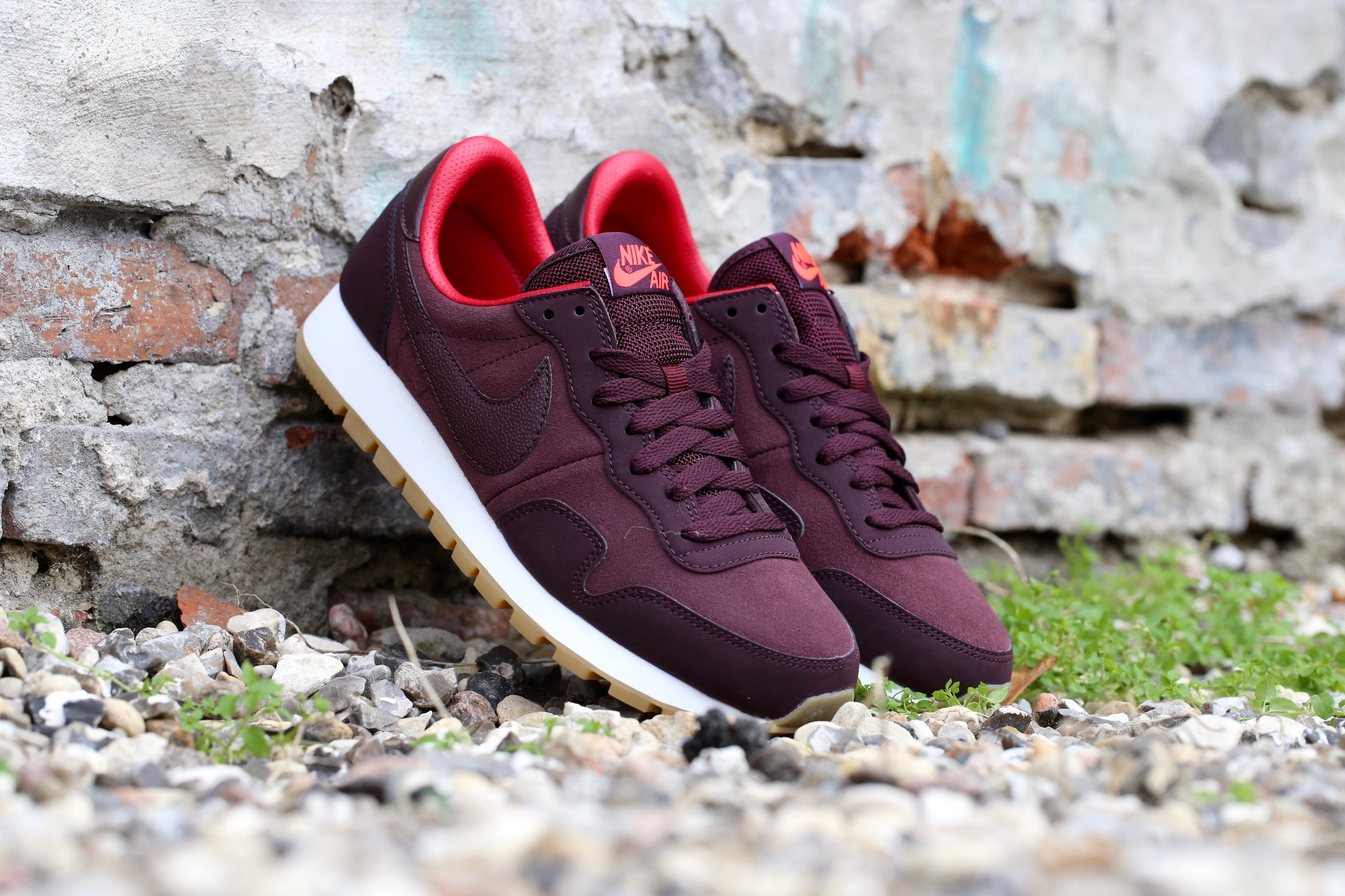 nike wmns air pegasus 83 leather deep burgundy bright. Black Bedroom Furniture Sets. Home Design Ideas