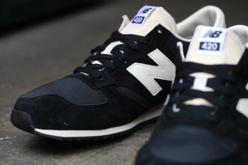 New Balance 420 - Black