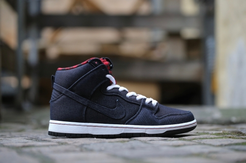 "Nike SB Dunk High Premium ""Lumberjack"" - Dark Obsidian / White / Gym Red / Dark Obsidian"
