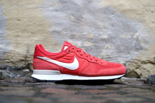 Nike Internationalist - Light Crimson / Sail / Sail