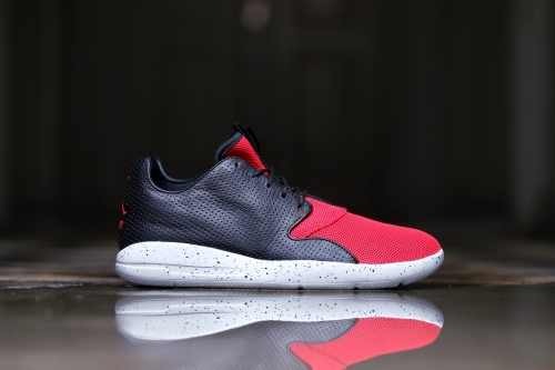 Jordan Eclipse - Black / University Red / Pure Platinum