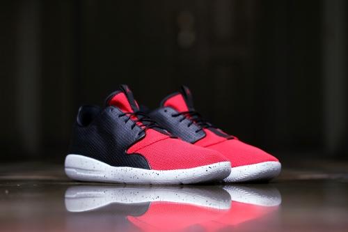 Jordan Eclipse - Black / University Red / Pure Platinum