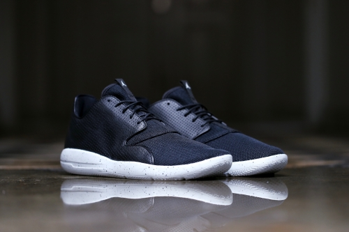 Jordan Eclipse - Black / White / Pure Platinum