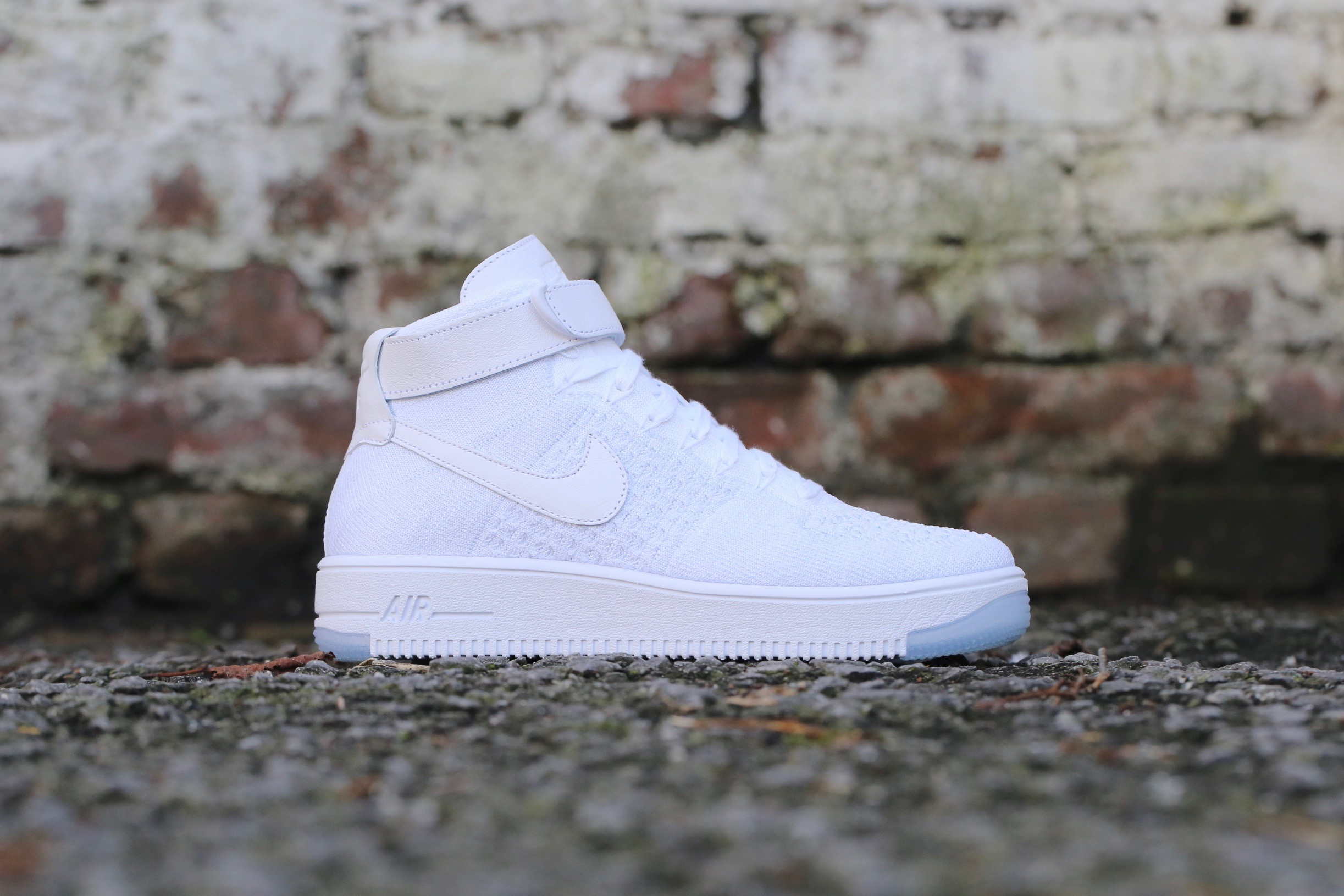 new arrivals 16407 7c606 Nike W Air Force 1 Flyknit - White / White / Pure Platinum