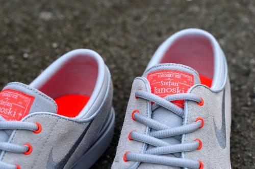 Nike SB Stefan Janoski (GS) - Wolf Grey / Cool Grey / Bright Crimson / White