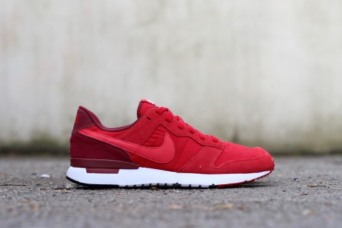 Nike Archive 83.M - Gym Red / Team Red / Prime Red