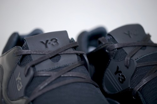 Y-3 QR Run - Core Black / Core Black / Ftwr White
