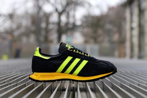 adidas Racing 1 - Core Black / Solar Yellow / Core Black