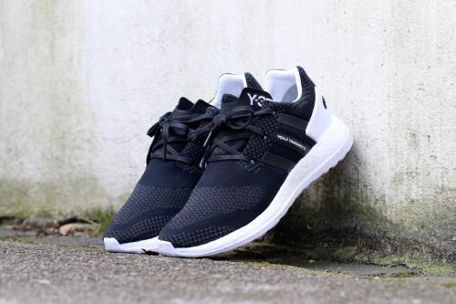 https://www.stasp.de/product/y-3-pure-boost-zg-knit-core-black-ftwr-white-core-black/
