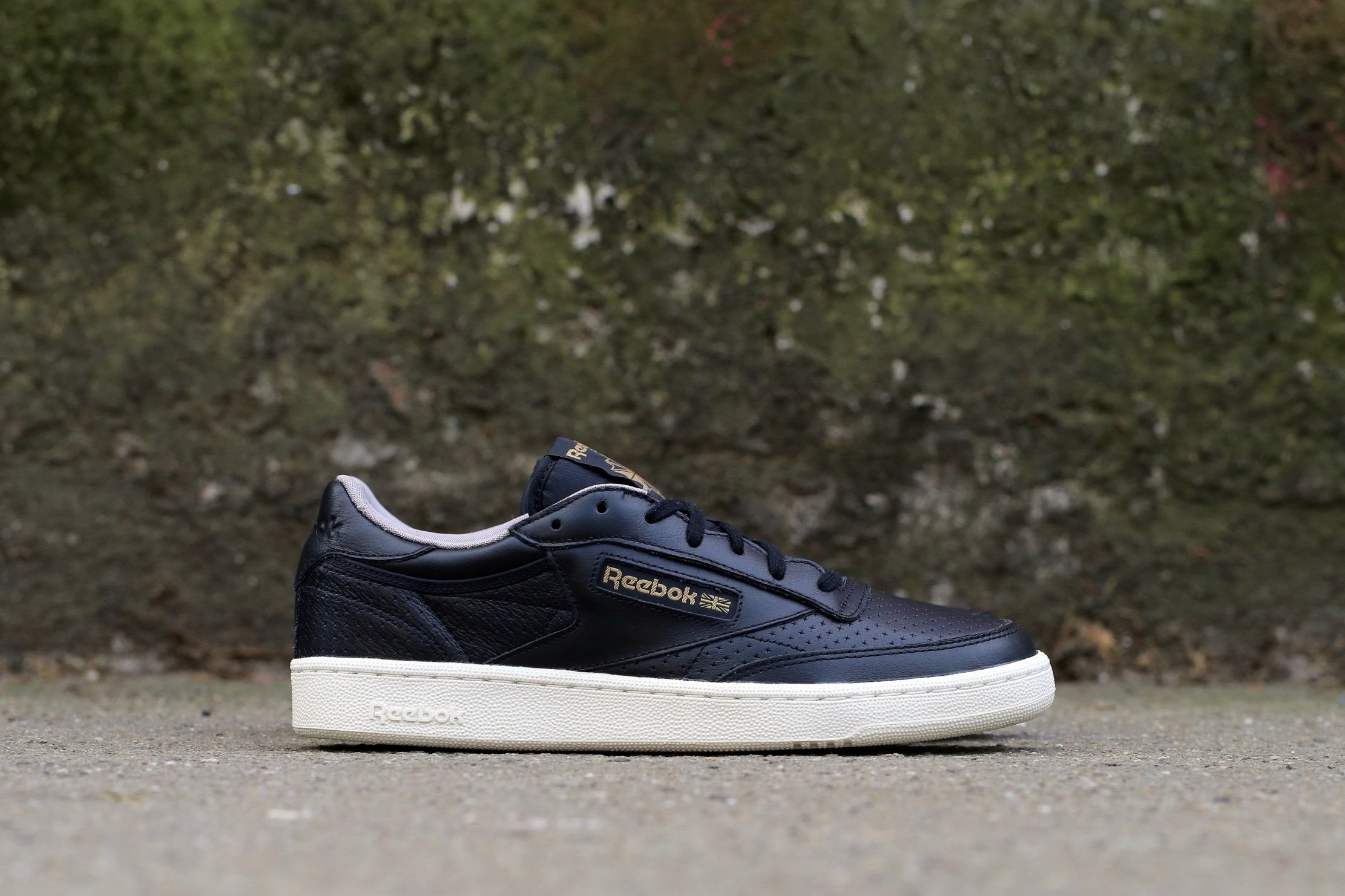 reebok club c black cheap   OFF70% The Largest Catalog Discounts 9eccc9a636
