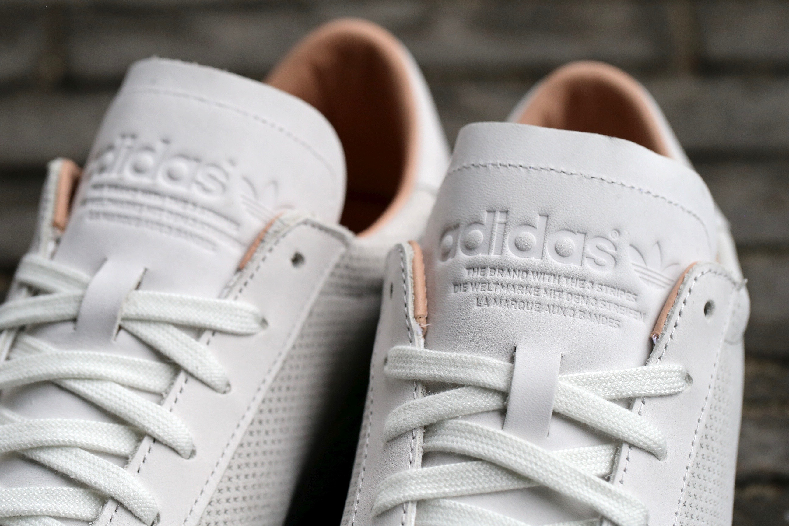 new product super quality separation shoes adidas Originals Court Vantage - Vintage White / Vintage White / Dust Pearl