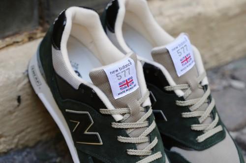 New Balance M577DKG - Dark Green / Black