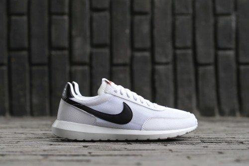 Nike Roshe Daybreak NM - White / Black