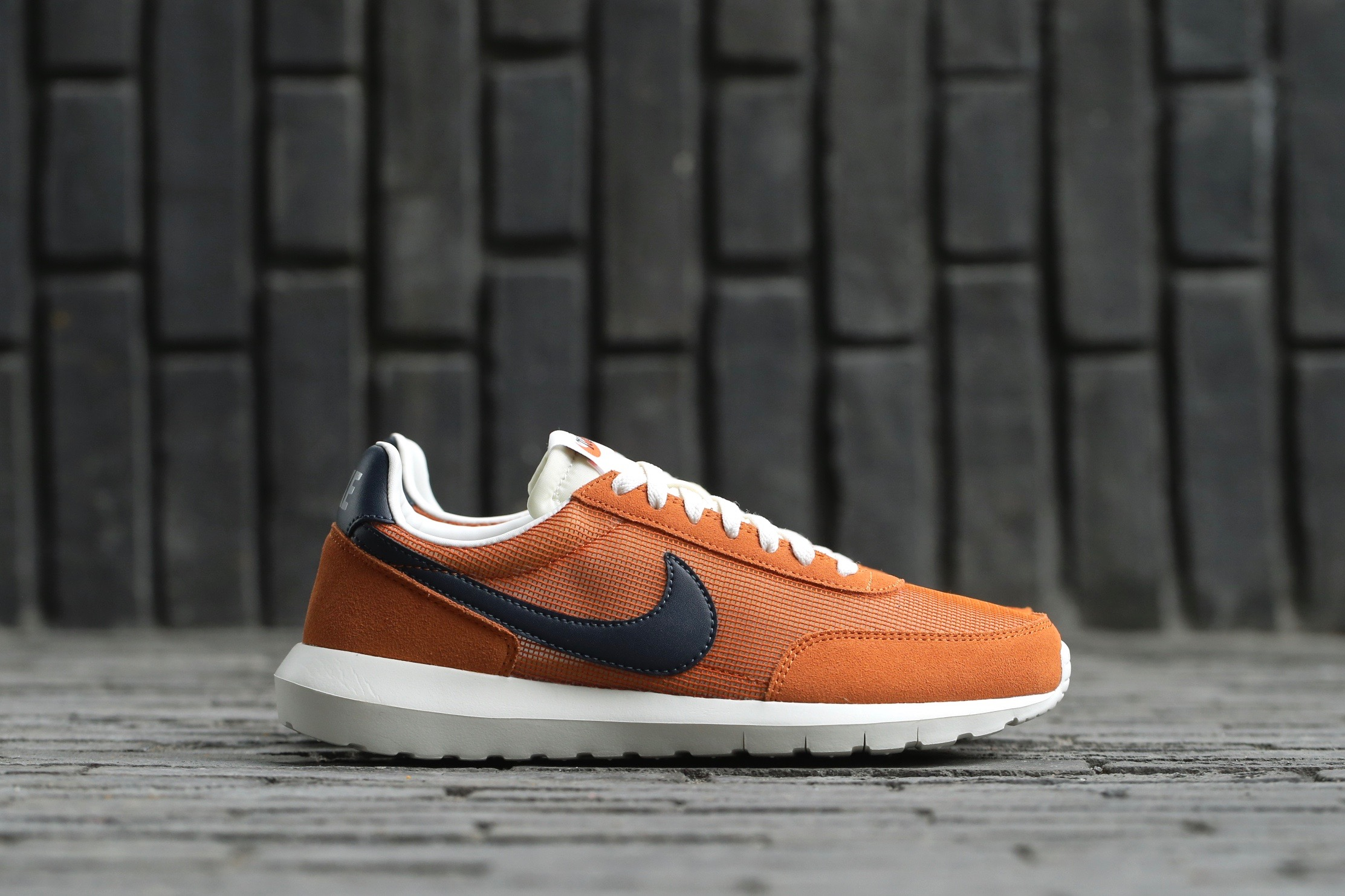 finest selection 79859 071ae Nike Roshe Daybreak NM – Tuscan Rust   Dark Obsidian – STASP