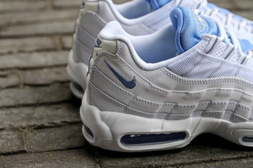 Nike Air Max 95 Essential - White / Chalk / Blue Stealth