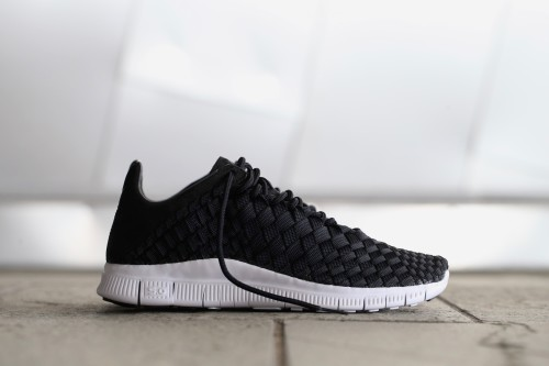 Nike Free Inneva Woven - Black / Summit White / Anthracite