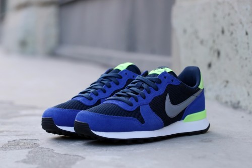 Nike Wmns Internationalist - Obsidian / Stealth