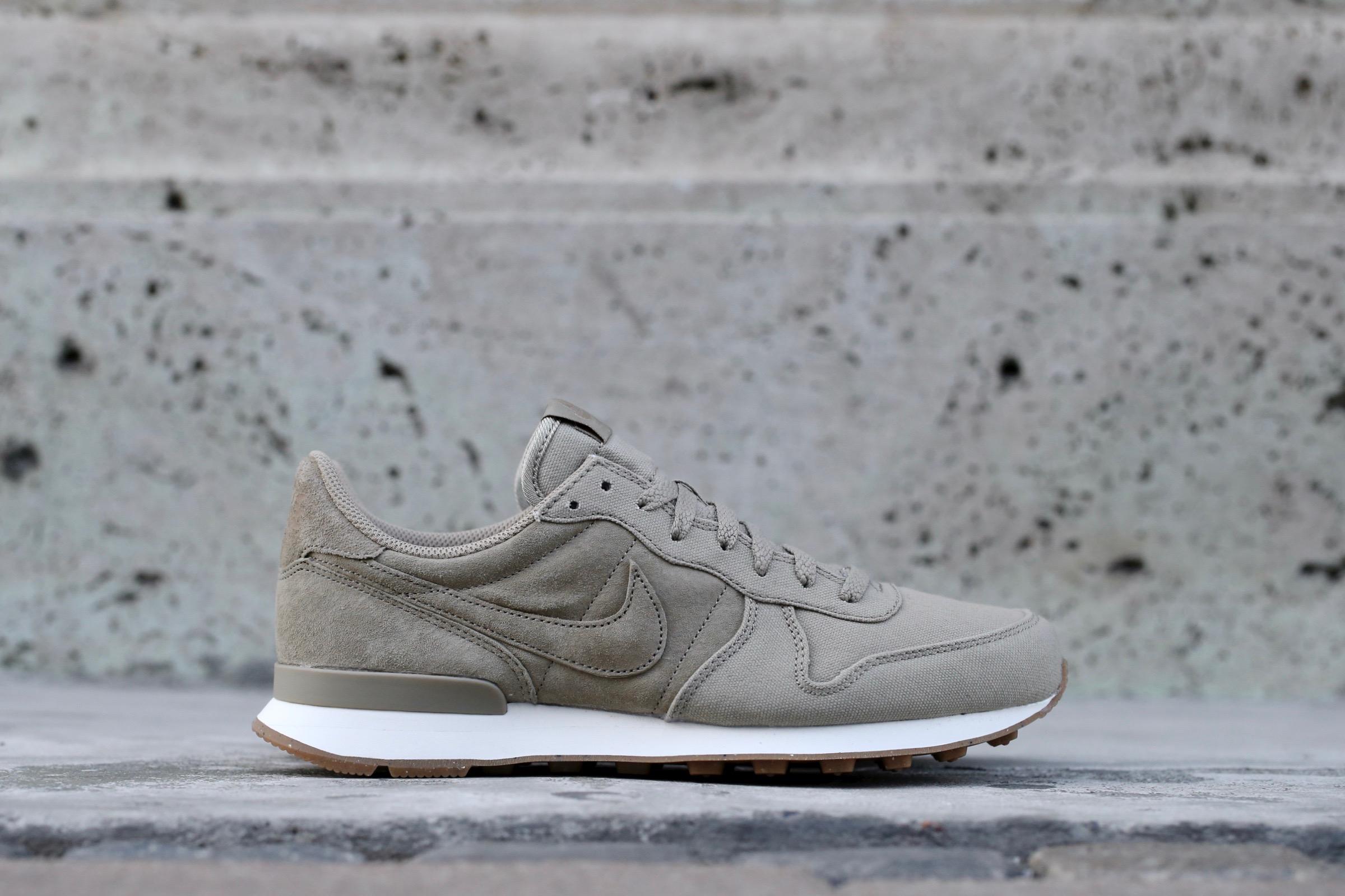 Nike Internationalist Premium – Bamboo Desert Camo Sail