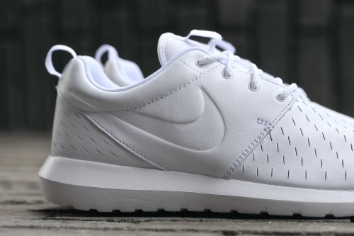 Nike Roshe NM LSR - White