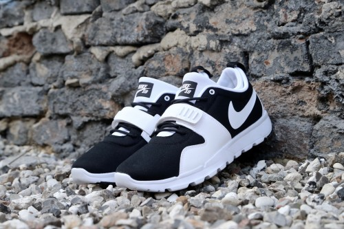 Nike SB Trainerendor - Black / White