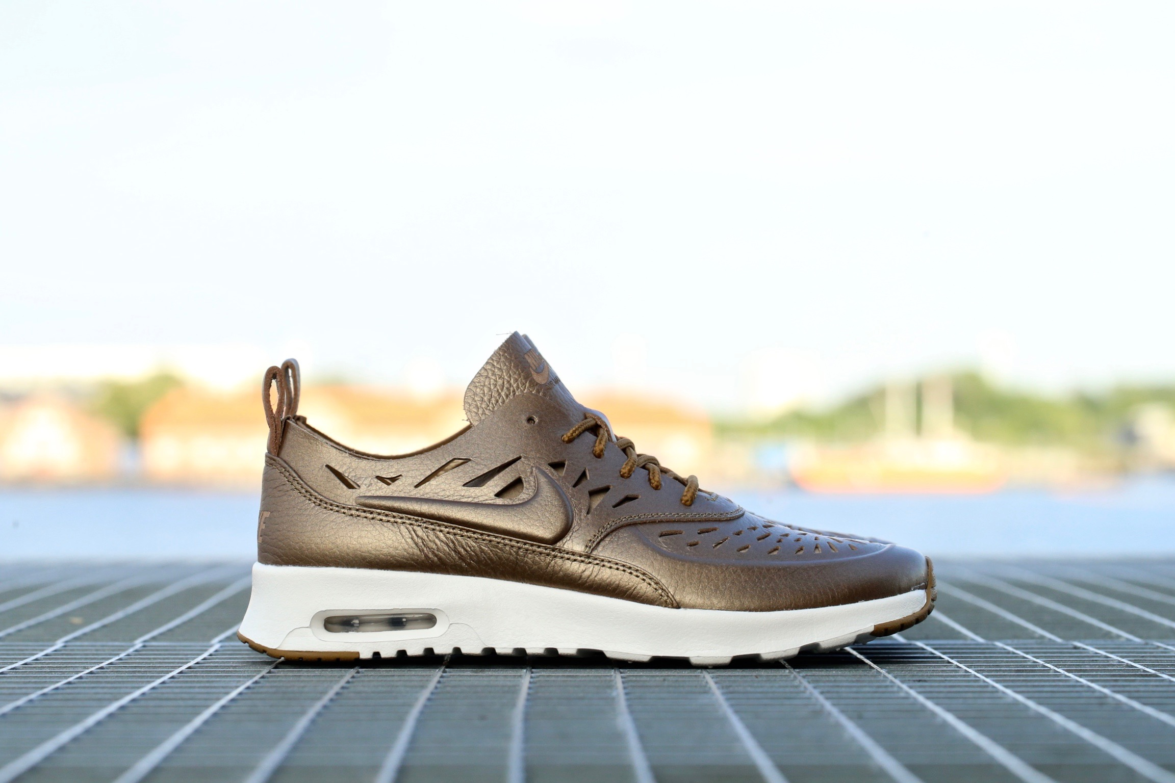 nike air max thea beige leather