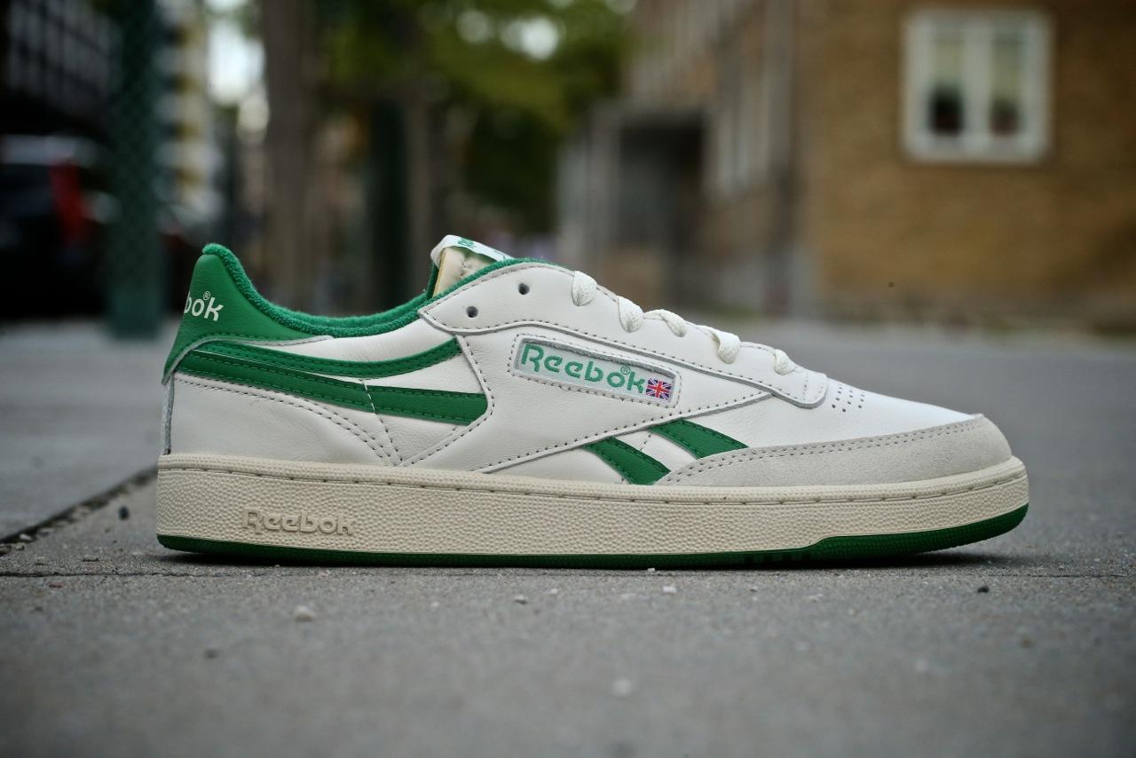 sports shoes f8796 78125 Reebok Revenge Plus Vintage – Chalk   Paperwhite   Glen Green ...
