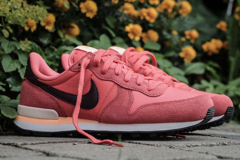size 40 2ce0c d9538 Nike Wmns Internationalist – Ember Glow   Night Maroon   Summit White –  STASP