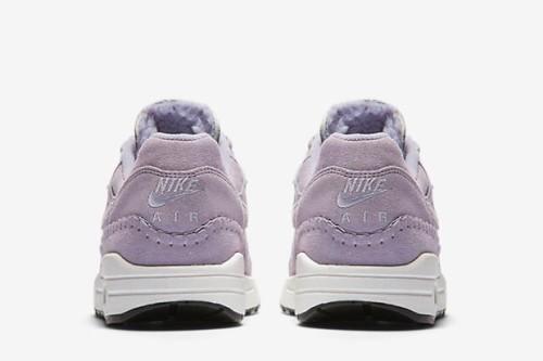 air-max-1-shoe-4