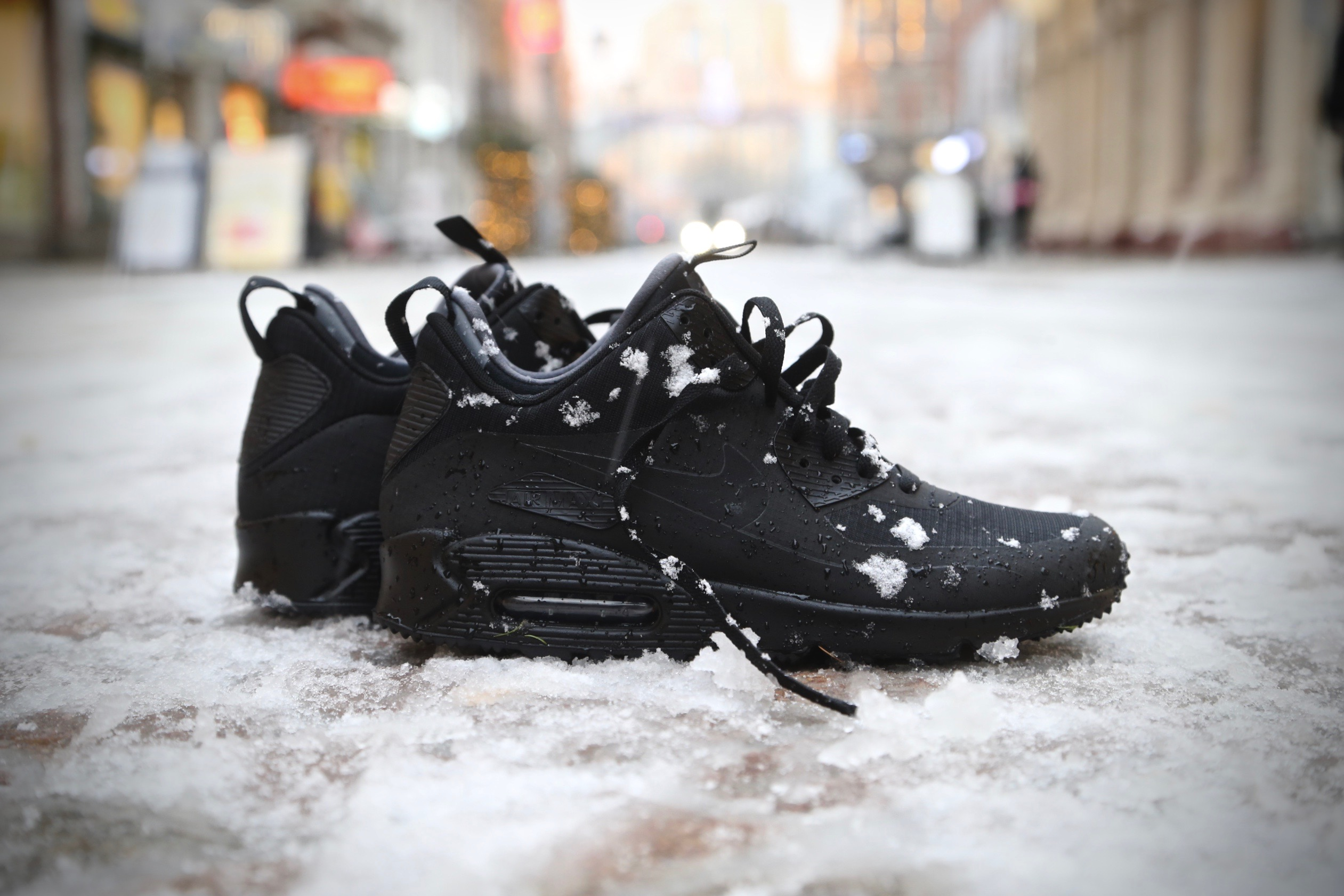 low cost cbf77 f7676 Nike Air Max 90 Mid Winter - Black / Black